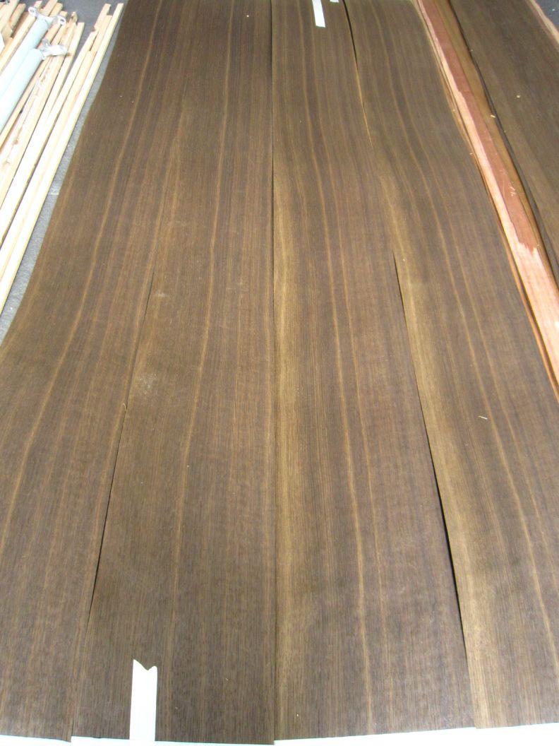 F451-4 DonkerBruin Gerookt Kwartiers Eiken 4 stroken van elk 20,5x182cm