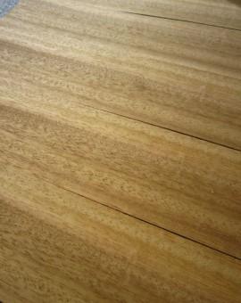 Iroko hout