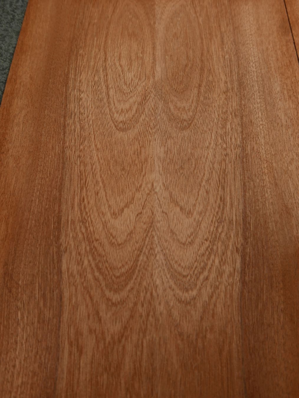 G1239-3 Gevoegd Mahonie 30x43cm 4st