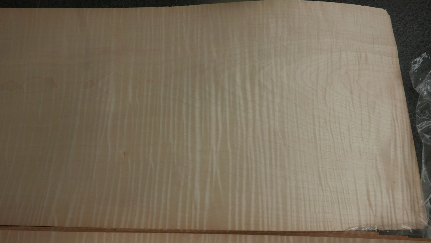 A0174-4 Esdoorn Gewaterd (Quilted) 37-40x272cm 11st
