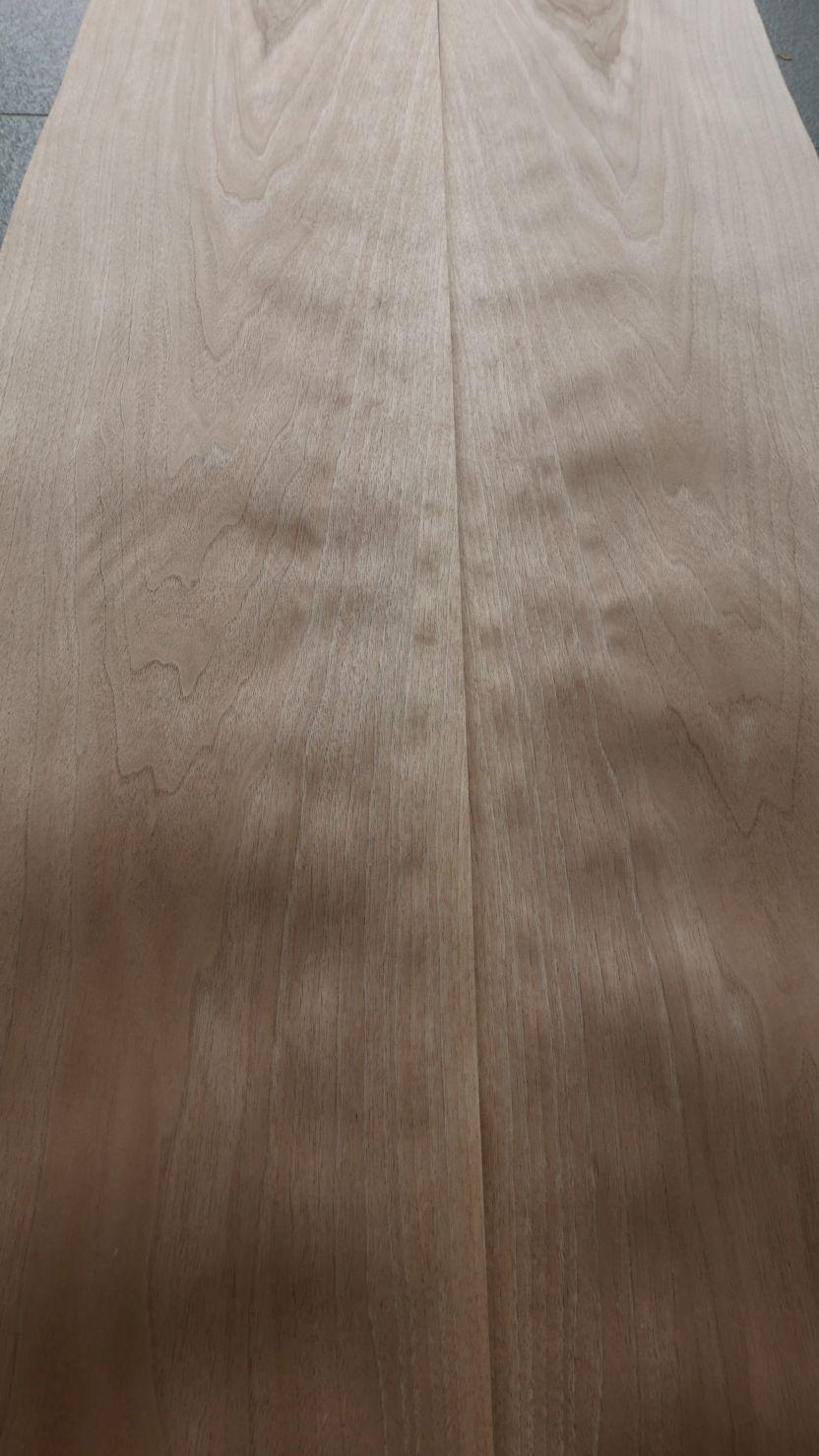 A0250-4 Europees Noten Blond 38,5-39,5x243cm 24st